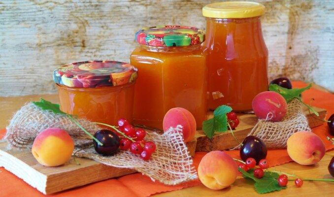 Selbstgemachte Marmelade zu machen ist gar...